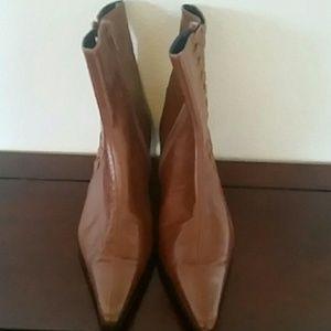 BCBG max azria  boots